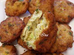 Reteta culinara Chiftele de dovlecei din categoria Aperitive / Garnituri. Specific Romania. Cum sa faci Chiftele de dovlecei