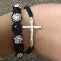 <3 .. need to find that cross.  I want to make one!  Just made the other one!