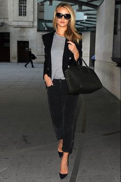 Model Rosie Huntington Whiteley 2013 fashon street style - Balmain blazer with pumps