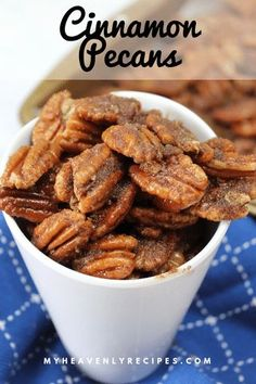 Cinnamon Pecans-Looking for a tasty treat that can double as a gift this holiday season? These Cinnamon Pecans will be a hit! Pecan Recipes, Candy Recipes, Snack Recipes, Dessert Recipes, Cooking Recipes, Keto Snacks, Easy Desserts, Appetizer Recipes, Holiday Recipes