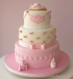 what a beautiful baby shower cake. Torta Baby Shower, Amazing Baby Shower Cakes, Bolo Minnie, Girl Cakes, Fancy Cakes, Love Cake, Cake Art, Beautiful Cakes, Cake Designs
