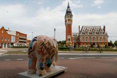Elephant Parade à Calais durant l'été 2015. Ici devant l'hôtel de ville.