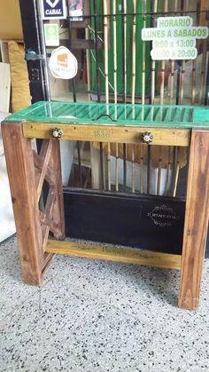 Mesa Ratona Con Celosias Recicladas - $ 2.800,00 en Mercado Libre