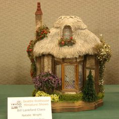 Exhibits from the Spring 2009 Seattle Dollshouse Show: A cottage project built by Natalie Wright in a Bill Lankford class, exhibited at the 2009 Spring Seattle Dollhouse Show