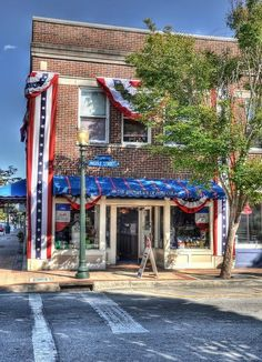 Birthplace of Pepsi Cola!!! New Bern, NC - Yes, Pepsi was invented by a pharmacist, Caleb Bradham in New Bern, NC.