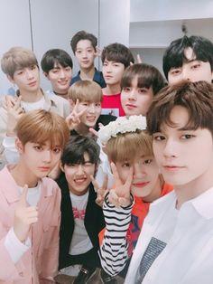 One Twitter, Twitter Update, You Are My World, Lai Guanlin, Produce 101 Season 2, Ong Seongwoo, Lee Daehwi, Kim Jaehwan, Cute Little Baby