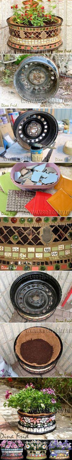 DIY Old Wheel Mosaic Flower Pot via usefuldiy.com