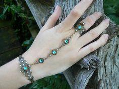 Swarovski slave bracelet turquoise hand chain par gildedingypsy