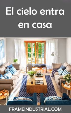 El cielo entra en casa #cielo #entra #casa #azules #decoraciones #conestilo Tapetes Vintage, Living Room Designs, Living Spaces, Living Rooms, Sala Grande, Dream Rooms, Colorful Decor, My Dream Home, Home Furniture