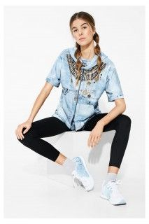 Discover this Desigual sweatshirt luxury jeans: lightweight, fine-woven sports sweatshirt with a pattern inspired by denim. Get more info about Desigual Women's Sport collection! Sports Sweatshirts, Going To The Gym, Sports Women, Paisley, Stylists, Bomber Jacket, Clothes For Women, Pants, Jackets