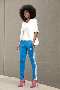 Blue adidas & tee w fuchsia heels