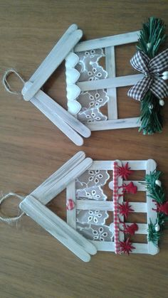 christmas crafts with popsicle sticks 26 ideas craft popsicle stick christmas ornament Christmas Ornament Crafts, Christmas Crafts For Kids, Homemade Christmas, Christmas Projects, Kids Christmas, Holiday Crafts, Christmas Wreaths, Christmas Decorations, Spring Crafts