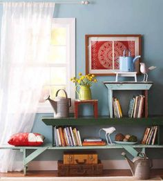 DIY storage, upcycle old benches into shelves Antique Bench, Vintage Bench, Vintage Diy, Old Benches, Diy Casa, Flea Market Finds, Old Doors, Deco Design, Home And Deco