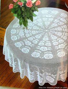 RP - crochet home: Tablecloth with roses Crochet Towel, Love Crochet, Thread Crochet, Beautiful Crochet, Floral Tablecloth, Crochet Tablecloth, Crochet Doilies, Vintage Crochet Patterns, Doily Patterns