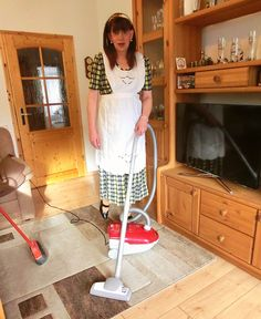 Martina and her dream machine In Law House, House Maid, Feminized Husband, Staff Uniforms, Sissy Maid, House Dress, Crossdressers, Pretty Outfits, Blouse