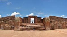 The stone steps Kalasasaya - Tiwanaku, Bolivia