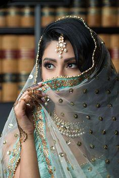 Canadian + Californian Wedding Vendors x Manpreet Toor Indian Photoshoot, Bridal Photoshoot, Bridal Shoot, Indian Wedding Photography Poses, Girl Photography Poses, Eye Photography, Bride Poses, Girl Photo Poses, Indian Bridal