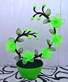 Jute Flowers, Nylon Flowers, Satin Flowers, Felt Flowers, Diy Flowers, Flower Vases, Flower Decorations, Fabric Flowers, Paper Flowers
