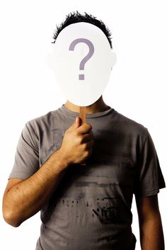 OT6: Het realiseren van een eigen identiteit en het kunnen deelenem aan een eigen jeugdcultuur. Tijdens het verwerven van de rollen bij verschillende milieus waar je deel van uitmaakt, ontdek je je eigen identiteit. Je sociale wereld wordt groter en je gaat tot meer kringen behoren. Als je weet van jezelf welke rollen je moet vervullen, dan kan je een samehangend zelfbeeld ontwikkelen. Faal je daarin, je weet niet meer welke rollen je moet vervullen, dan spreken we van een identiteitscrisis…