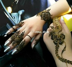 Simple cute mehndi designs for hands Arabic Henna Designs, Henna Designs Easy, Arabic Mehndi Designs, Mehndi Designs For Hands, Henna Tattoo Designs, Mehandi Designs, Heena Design, Stylish Mehndi Designs, Beautiful Mehndi Design