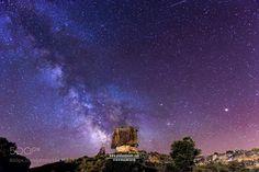 Milky Way in Moai  Via Lactea tras el moai en el desierto de los monegros…