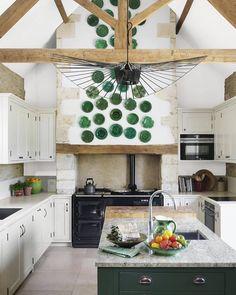 English Manor Houses, English House, Green Cabinets, Kitchen Cabinets, White Cabinets, Green Plates, English Decor, Interior Decorating, Interior Design