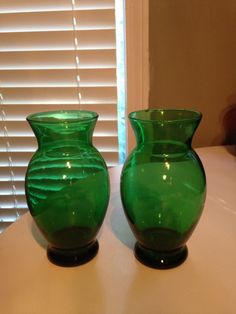 Anchor Hocking Vase, emerald glass,Emerald green Vase,Green Glass vases,green vases,green glass,floral vases,centerpieces,forest green vase by TheZenSquirrel on Etsy
