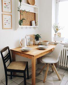 Werbung Eeeeinmal Bitte Den Blick Auf Den Kuchenteppich Richten Modernes Geometrisches M Kitchen Table Decor Diy Kitchen Table Small Apartment Dining Room