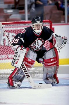 jan-1999-goallie-dominik-hasek-of-the-buffalo-sabres-in-action-during-picture-id398123 (674×1024) Nhl Hockey Teams, Hockey Goalie, Field Hockey, Hockey Players, Ice Hockey, Buffalo Sabres, Masked Man, Nfl Fans, Sports Art