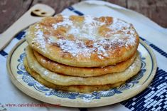 Gogosi in foi (de post) - CAIETUL CU RETETE Pancakes, Breakfast, Desserts, Food, Morning Coffee, Tailgate Desserts, Deserts, Essen, Pancake