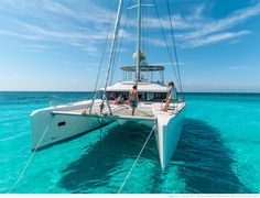 Bareboat Yacht Charters in the beautifiul Caribbean Islands of St Vincent & The Grenadines. Barefoot Yacht Charters offers bareboat and crewed yacht charters. Catamaran Design, Catamaran Charter, Sailing Catamaran, Yacht Design, Sailing Boat, Yacht For Sale, Boats For Sale, Sailboat Living, Yacht Cruises