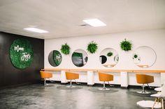 Beauty Salon Interior, Salon Interior Design, Salon Design, Nail Salon Equipment, Manicure Station, Minerva Beauty, Salon Pictures, Small Salon, Salon Stations