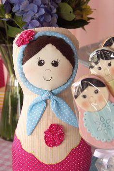 Boneca Matrioska por Fabiana Moura Projetos Personalizados