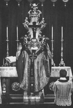 Archbishop Fulton Sheen (asking him for guidance on my confrimation sunday) Catholic Saints, Roman Catholic, Mother Angelica, Fulton Sheen, True Faith, Catholic Quotes, Eucharist, Blessed Mother, Historical Photos