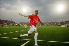 LASGIDI LIFE: ANGEL IN RED DEVIL SHIRT (United Sign Angel Di Mar...