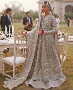 The present wedding dresses 2019 includes a dozen various dresses in the modern Boho style. Several wedding dresses are two-piece with a modern Prime or top top, combined f Asian Bridal Dresses, Pakistani Wedding Outfits, Pakistani Bridal Dresses, Pakistani Wedding Dresses, Bridal Outfits, Indian Dresses, Pakistani Clothing, Pakistani Couture, Wedding Hijab