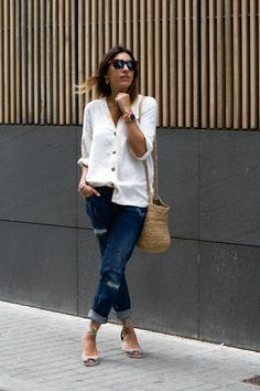 COMFY & CASUAL Comfy Casual, Casual Look, Boyfriend Jeans, Zara, Chic, Fashion Tips, Style, Espadrilles, Silhouettes
