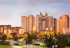 Featuring a spa & wellness centre, an outdoor pool and a Jacuzzi, the Wyndham Grand Orlando Resort Bonnet Creek also offers elegant rooms cl...