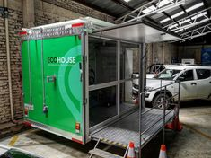 Nuestra #tinyhouse se fue 👍🏽😄 . ✅Siguiendo el concepto de tecnología sustentable Tiny House, Lockers, Locker Storage, Cabinet, Furniture, Home Decor, Cars, Clothes Stand, Decoration Home
