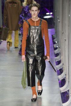 1dcfbba3f 20 melhores imagens de gucci | Fall winter, Fashion show e Fashion 2017