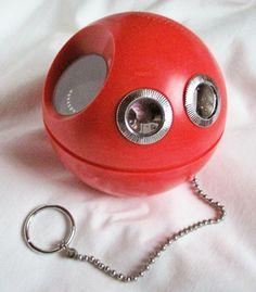 Vintage Retro Panasonic Panapet R-70 AM Round Ball Radio w/ Ring & Chain