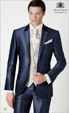 ONGala 750 - groom suit, blue Source by karlmarxxxxx Blue Red Wedding, Tuxedo Wedding, Wedding Men, Wedding Suits, Wedding Attire, Rustic Groomsmen Attire, Groom And Groomsmen Suits, Groom Attire, Sharp Dressed Man