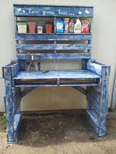 Woodworking Projects Pallet Projects for Your Garden: Check out these 30 Clever DIY Pallet Ideas on Pallet Potting Bench, Pallet Garden Benches, Potting Tables, Pallet Gardening, Organic Gardening, Outdoor Pallet, Pallet Work Bench, Pallet Greenhouse, Pallet Planters