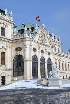 "Palacio Belvedere - Vienna, Austria - The famous ""THE KISS"" from Klimt is on exhibiton there. MUST SEE!!!"
