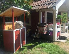 """Sådär. Stallet är på plats bredvid """"klubbhuset"""". #diy #käpphäststall Tallit, Hobby Horse, Horse Stalls, Stables, Gazebo, Shed, Outdoor Structures, Horses, Alice"""