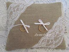 Cuscino porta fedi in lino ecrù e pizzo, by ♥La casa di Gaia♥, 22,00 € su misshobby.com