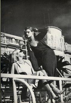 Patti Hansen & Gunilla Lindblad by Helmut Newton for Vogue, March 1976