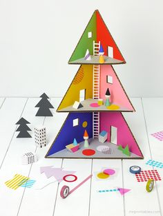 Tree Doll House Cardboard DIY with Templates | via Mr Printables #holiday2013
