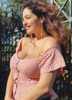 Big size breasts actress beauty image gallery cute and hot and bollywood item Indian model unseen latest very beautiful and sexy wedding sel. Saree Backless, Indian Models, Indian Girls, Tight Dresses, Indian Beauty, Bollywood Actress, Blond, Plus Size Fashion, Hot Girls