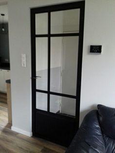 Prachtige stalen deur. Gemaakt door C. A. Peters Metaal en Bouw. www.petersmetaalenbouw.nl